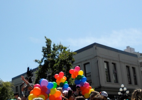 A perfect summer day to celebrate our Pride. The Hush float ends the parade with a powerful singer and lots of balloons.