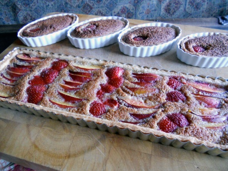 For dessert I made two adaptations on a recipe I usually save for the autumn: Pear Frangipani Tart. I replaced strawberries and nectarines for poached pears in the long tart and grated some 70% chocolate into the tart shells before filling with frangipani and a half strawberry.