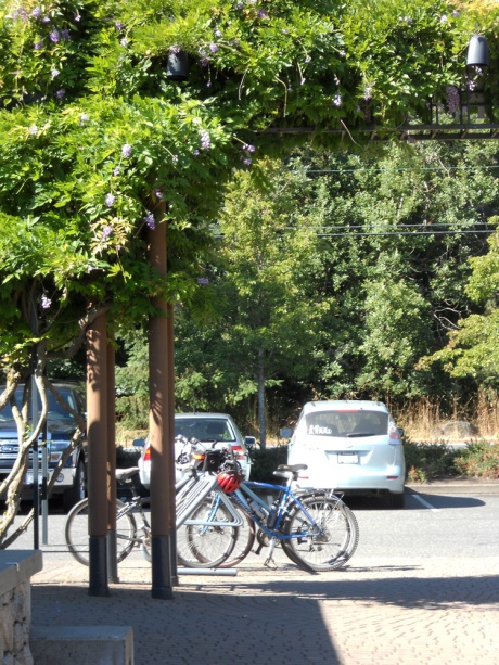 There is a pretty good amount of bicycle parking available. As well as the restaurant, there is a Red Barn Market for purchase of snacks and beverages if you didn't bring enough in your panniers.