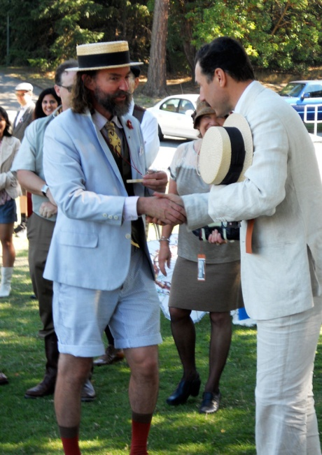 GJ on the left, looking so divine, handing out a prize from Fairfield Bike Shop, where he works, to the always dapper, always a gentleman, Simon. Simon was one of the organizers of the first three Tweed Rides and gave much support this year to the new team.