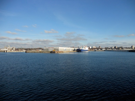 Looking back towards the entrance to the inner harbour.
