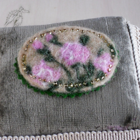 3_RoseFelted_Brooch_1