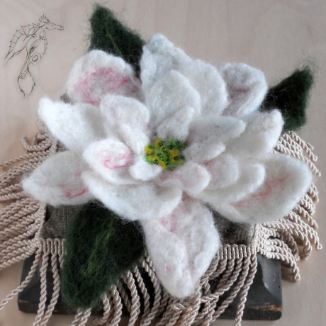 4_FeltedWhiteFLower_Brooch_1