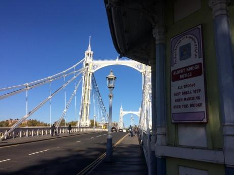 TripEnd_London6_Chelsea_SignAlbertBridge